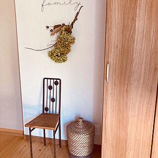 玄関インテリア/玄関ディスプレイ/小さな椅子/スワッグ手作り/スリッパ収納...などのインテリア実例 - 2021-08-03 09:38:07