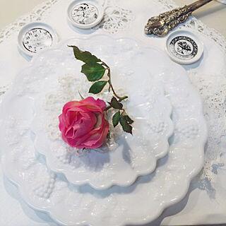 棚/薔薇/海外インテリアに憧れる/花のある暮らし/花の色が変化...などのインテリア実例 - 2017-12-15 17:22:47