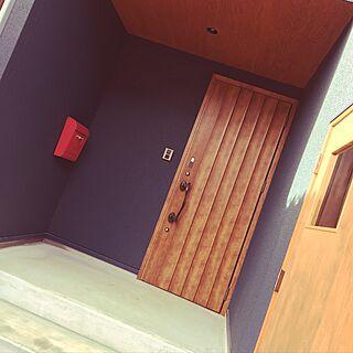 玄関/入り口/バイクガレージ/コンクリート/ポスト/赤いポスト...などのインテリア実例 - 2016-12-29 04:31:07
