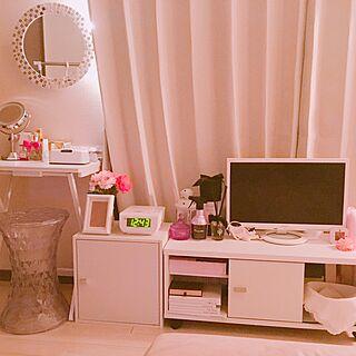 女性の、1DK、一人暮らしの「部屋全体」についてのインテリア実例