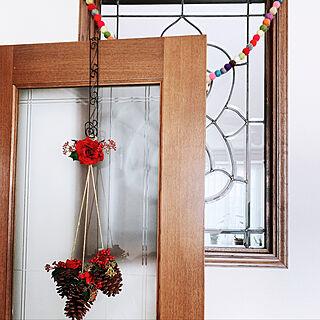ステンドグラスの窓/クリスマス雑貨/ドア/リビング/壁/天井のインテリア実例 - 2019-11-23 11:55:36