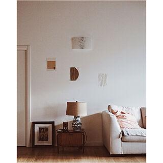 女性の、、の「壁/天井」についてのインテリア実例