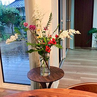 ダリア/グラジオラス/サイドテーブル/ナナカマド/庭の花を飾る...などのインテリア実例 - 2020-06-11 18:51:41