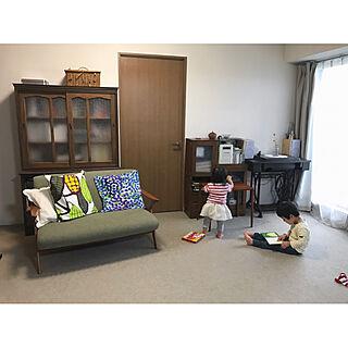 女性33歳の家族暮らし3DK、アンティーク本棚に関するbunさんの実例写真
