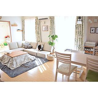 女性家族暮らし、ニトリのラグに関するasukaさんの実例写真
