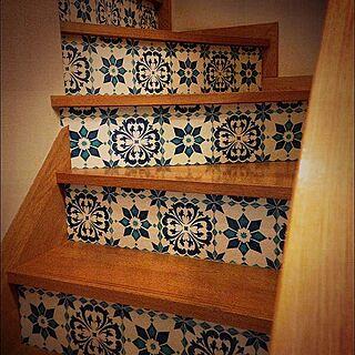 、階段の蹴込みに関するooodekoooさんの実例写真
