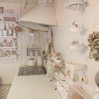 キッチン/usausaホワイトペイント/白が好き/DIY棚/タイル...などのインテリア実例 - 2015-09-09 10:00:20