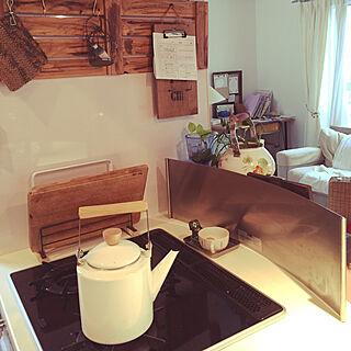 キッチン/ニトリ/白と茶色が好き/古いものが好き♡/コンロ周りのインテリア実例 - 2017-09-06 11:28:31