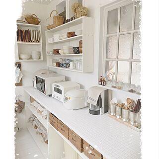 キッチン/アラジントースター/食器棚DIY/キッチンカウンターDIY/真っ白キッチンを目指して...などのインテリア実例 - 2016-08-22 07:15:49