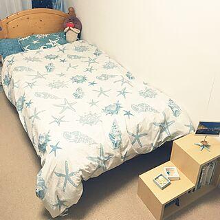女性の、1K、一人暮らしの「ベッド周り」についてのインテリア実例