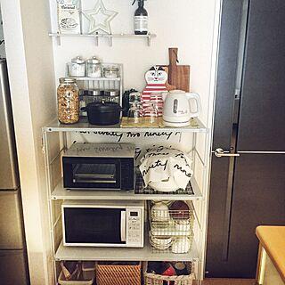女性の、1LDK、一人暮らしの「キッチン」についてのインテリア実例