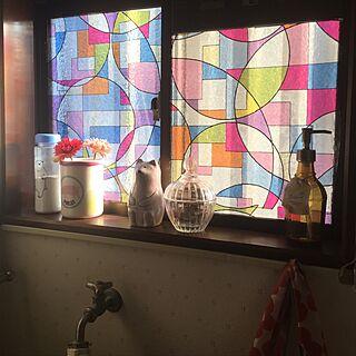 女性家族暮らし、ステンドグラス風シールに関するICHIGOさんの実例写真