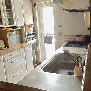女性34歳の家族暮らし4LDK、食器棚のリメイクに関するme_sweetさんの実例写真