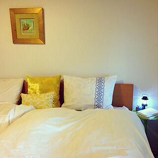女性の、2LDK、家族住まいの「ベッド周り」についてのインテリア実例