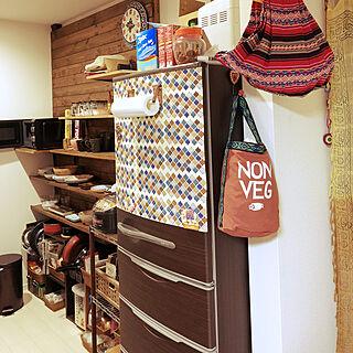 女性32歳の家族暮らし4LDK、食器棚DIYに関するNANAさんの実例写真