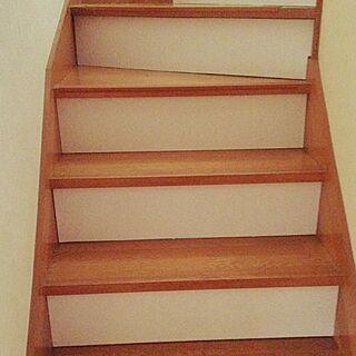女性46歳の家族暮らし、明るい階段に関するsaichanさんの実例写真