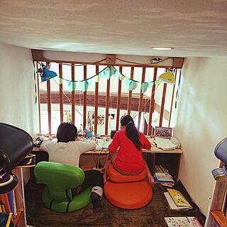 女性36歳の家族暮らし、リビング学習スペースに関するakiさんの実例写真
