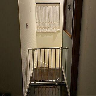 階段/ベビーゲート/廊下/中古住宅/古い家...などのインテリア実例 - 2021-01-28 02:56:35