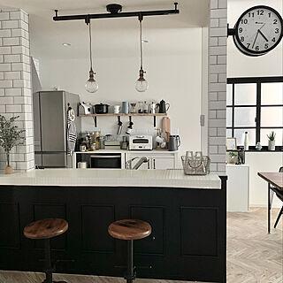 一番好きな場所/IKEA/キャンドゥ/ポスターのある部屋/窓枠DIY...などのインテリア実例 - 2020-04-18 21:26:17