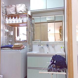 女性家族暮らし4LDK、洗面脱衣物干場に関するmiyuさんの実例写真