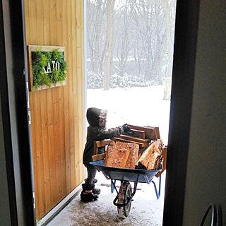 玄関/入り口/こどもと暮らす。/薪ストーブのある暮らし/アメリカン/こどものいる暮らし...などのインテリア実例 - 2018-12-01 12:11:54