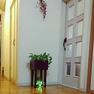 女性家族暮らし4LDK、花台DIYに関するRenさんの実例写真