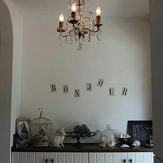 女性家族暮らし、ロウソク型の電球に関するnorikさんの実例写真