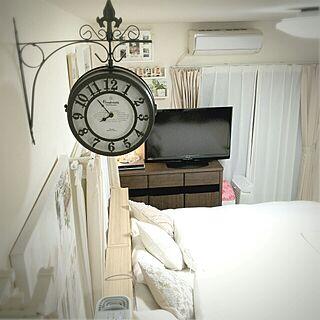 壁/天井/寝室/クッション/ベッドフレーム/Sealy Bed...などのインテリア実例 - 2015-11-16 18:52:15
