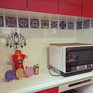 女性の、4LDK、家族住まいの「キッチン」についてのインテリア実例