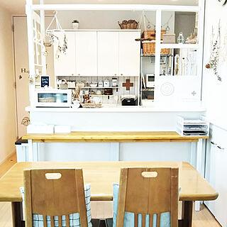 女性家族暮らし、キッチンカウンター横に関するkaoriさんの実例写真