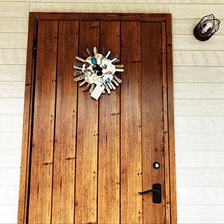 玄関/入り口/やっと飾れた!/ハワイアン雑貨/SOHA Living/玄関扉...などのインテリア実例 - 2017-12-09 14:15:52