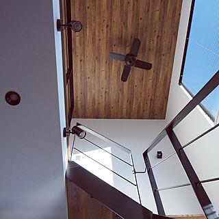 女性家族暮らし4LDK、リビング階段に関するsaeさんの実例写真