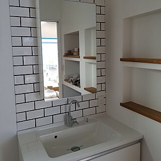 女性家族暮らし2LDK、タイル洗面台に関するtemiさんの実例写真
