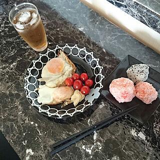 女性家族暮らし、カッコいいダイニングテーブルが欲しいに関するmorasanさんの実例写真