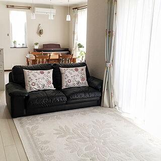 リビング/白い床/塗り壁/IKEAのクッション/ソファー...などのインテリア実例 - 2018-05-10 20:06:51