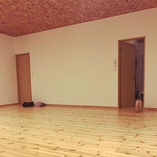 リビング/無垢パイン床材/OSBボード/照明/IKEA...などのインテリア実例 - 2019-10-26 07:02:10