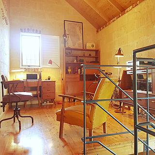 男性同棲2LDK、木の家具に関するmosmanparkhomeさんの実例写真