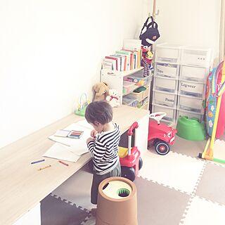 女性家族暮らし、リビングの子供机に関するpannalさんの実例写真