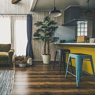 家族暮らし、黄色いキッチンに関するamecajiさんの実例写真