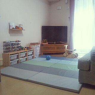 女性家族暮らし1LDK、トミカ収納に関するSakuraさんの実例写真