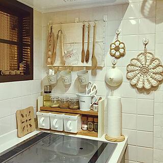 女性34歳の家族暮らし4LDK、キッチンの窓に関するpomupomuさんの実例写真