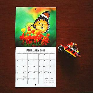 机/カレンダー/10000人の暮らし/幸せな気持ち♥/人生はアート...などのインテリア実例 - 2018-02-03 11:14:18