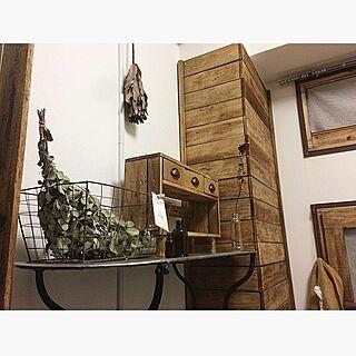 ベッド周り/窓枠DIY/板壁DIY/ナチュラル/ドライフラワーのある暮らし...などのインテリア実例 - 2017-01-27 09:25:52