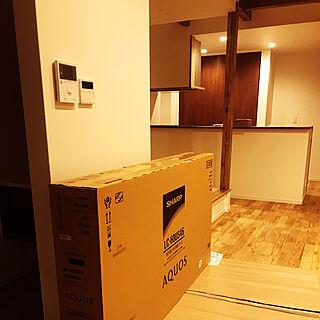 60インチTV/SHARP AQUOS/壁掛けテレビ/リビングのインテリア実例 - 2019-03-20 07:25:30