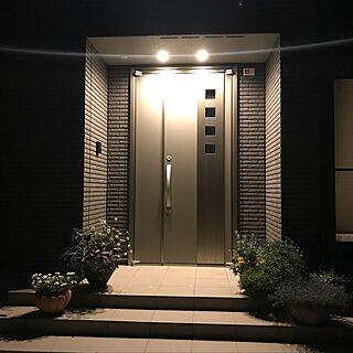 女性37歳の家族暮らし、夜の玄関♪に関するpenguinsさんの実例写真