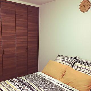 ベッド周り/寝室/オレンジ色が好き/手作り時計/ニトリの布団カバー...などのインテリア実例 - 2016-09-30 17:25:33