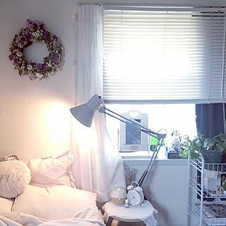 ニトリのブラインド/ニトリのレースカーテン/IKEAのポプリ/ライト/ニトリのスツール...などのインテリア実例 - 2020-03-26 07:59:33