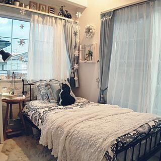 部屋全体/寝室/小窓ディスプレイ/アイアンベッド/アイアンベッドフレーム...などのインテリア実例 - 2020-12-20 20:12:13