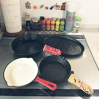 キッチン/野菜消しゴムに、磁石/スキレット料理/ホーロー製のスキレット/ニトスキ...などのインテリア実例 - 2017-08-19 09:32:09
