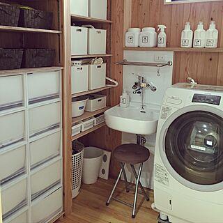 女性家族暮らし2LDK、脱衣所の床に関するkumiさんの実例写真